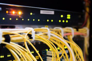 Prodej Deutsche Telekom má podpořit výstavbu širokopásmové telekomunikační sítě v Německu