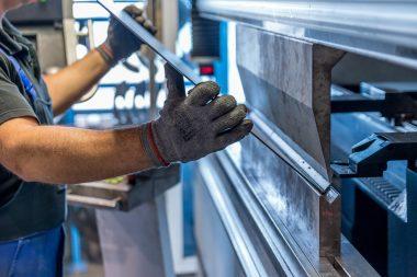 Německá průmyslová výroba zaznamenala v lednu po delší době pokles